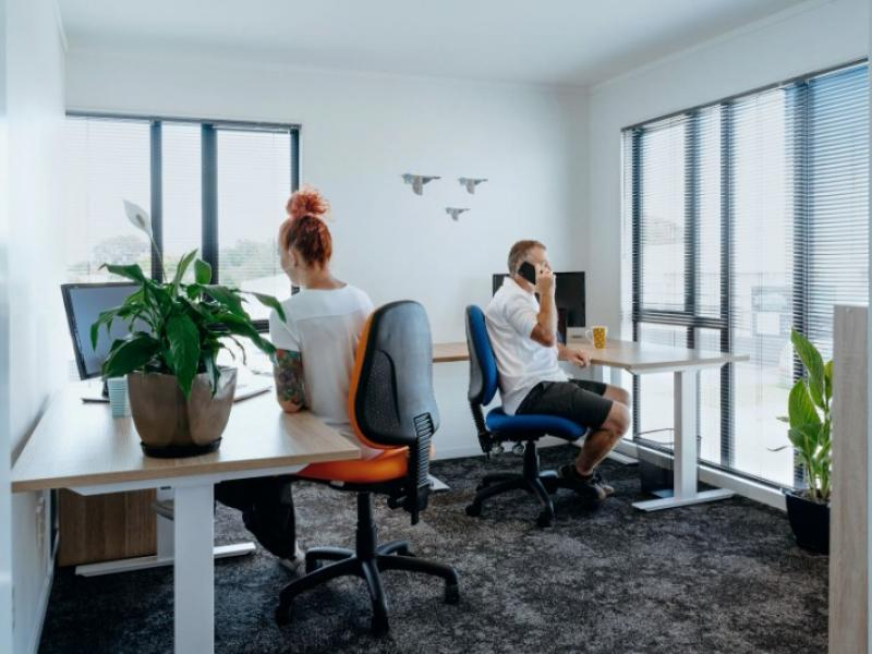 KAPITI - DESK OR OFFICE - It's your choice!