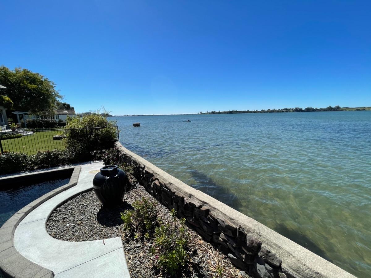 Beautiful Waterfront Property Shoot Location image 4