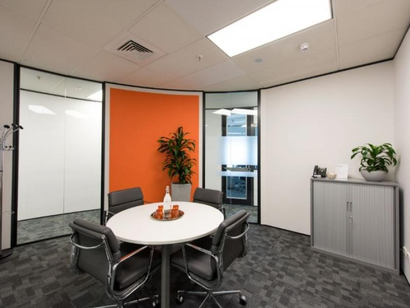 Private Office Space for 3-4 Pax image 2
